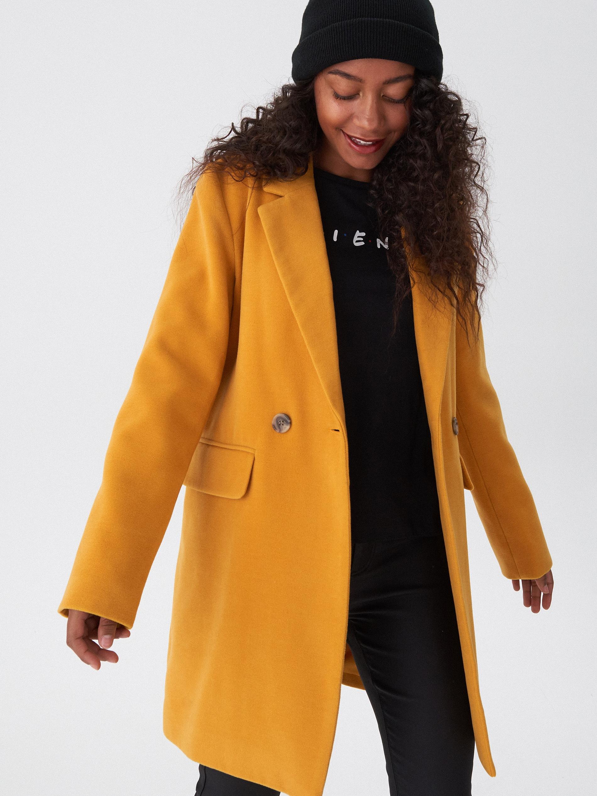 Dwurzędowy płaszcz - żółty - XA075-18X - HOUSE - 2