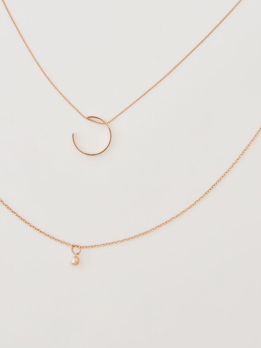 87aa429e8 Viacvrstvový náhrdelník s príveskami, HOUSE, UH929-GLD