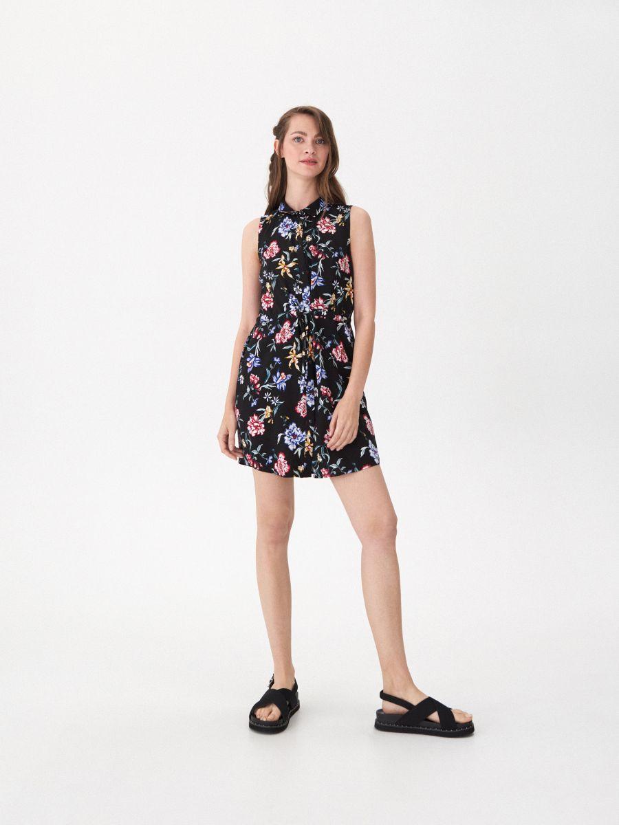 75a996fc2a Wzorzysta sukienka