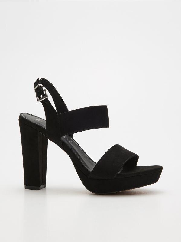ea8ae677da38 Ažúrové loafersy · Sandále na stĺpiku - čierna - VM939-99X - HOUSE