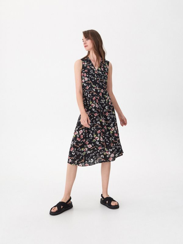 437122c86b83cc Kombinezon z tropikalnym printem · Sukienka w kwiaty - wielobarwny -  VY176-MLC - HOUSE