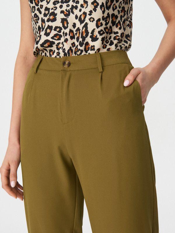5c51bb0f0f Divatos női nadrágok - ideálisak tavaszra és nyárra | House online