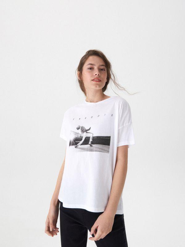 T-shirt z nadrukiem Freddie - biały - VT444-00X - House - 2