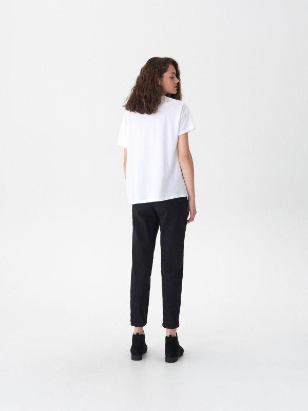 T-shirt z nadrukiem Freddie - biały - VT444-00X - House - 3